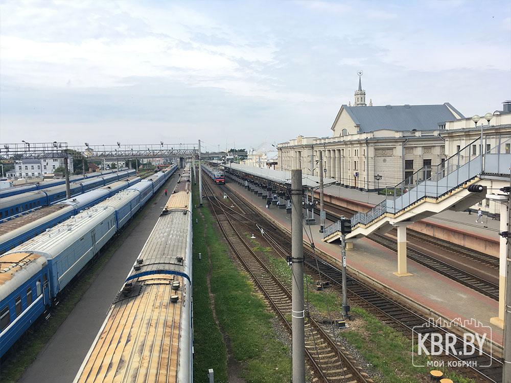 Брестский вокзал поезда